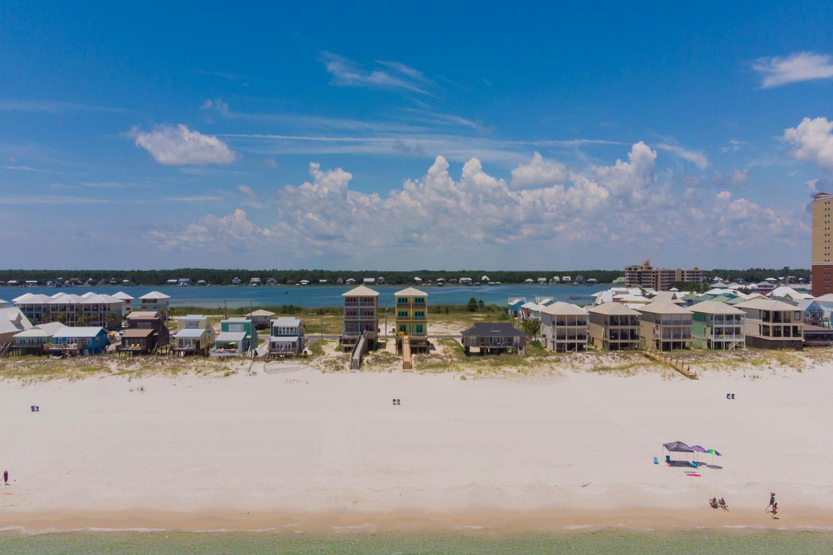 Luxury real estate Stunning Gulf Views from 2 Balconies