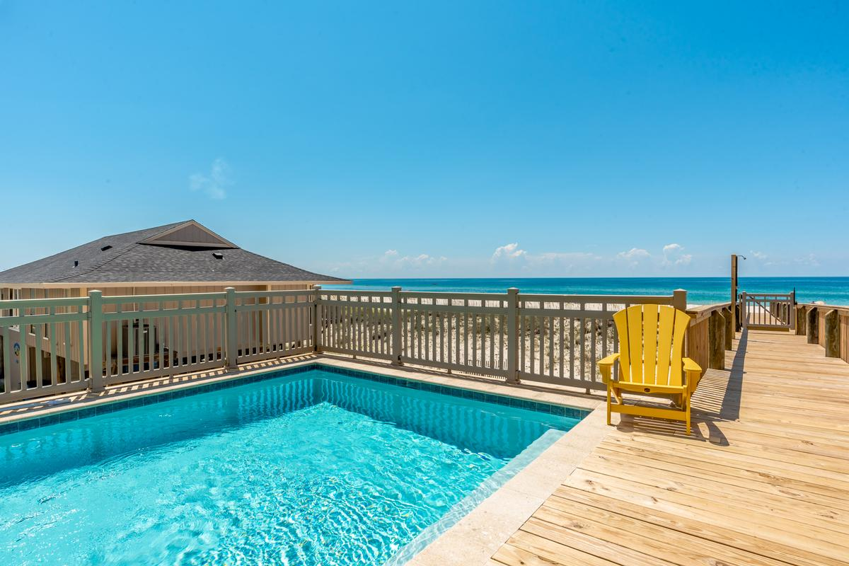 Luxury homes Stunning Gulf Views from 2 Balconies