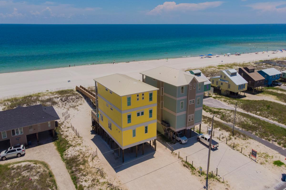 Mansions Stunning Gulf Views from 2 Balconies