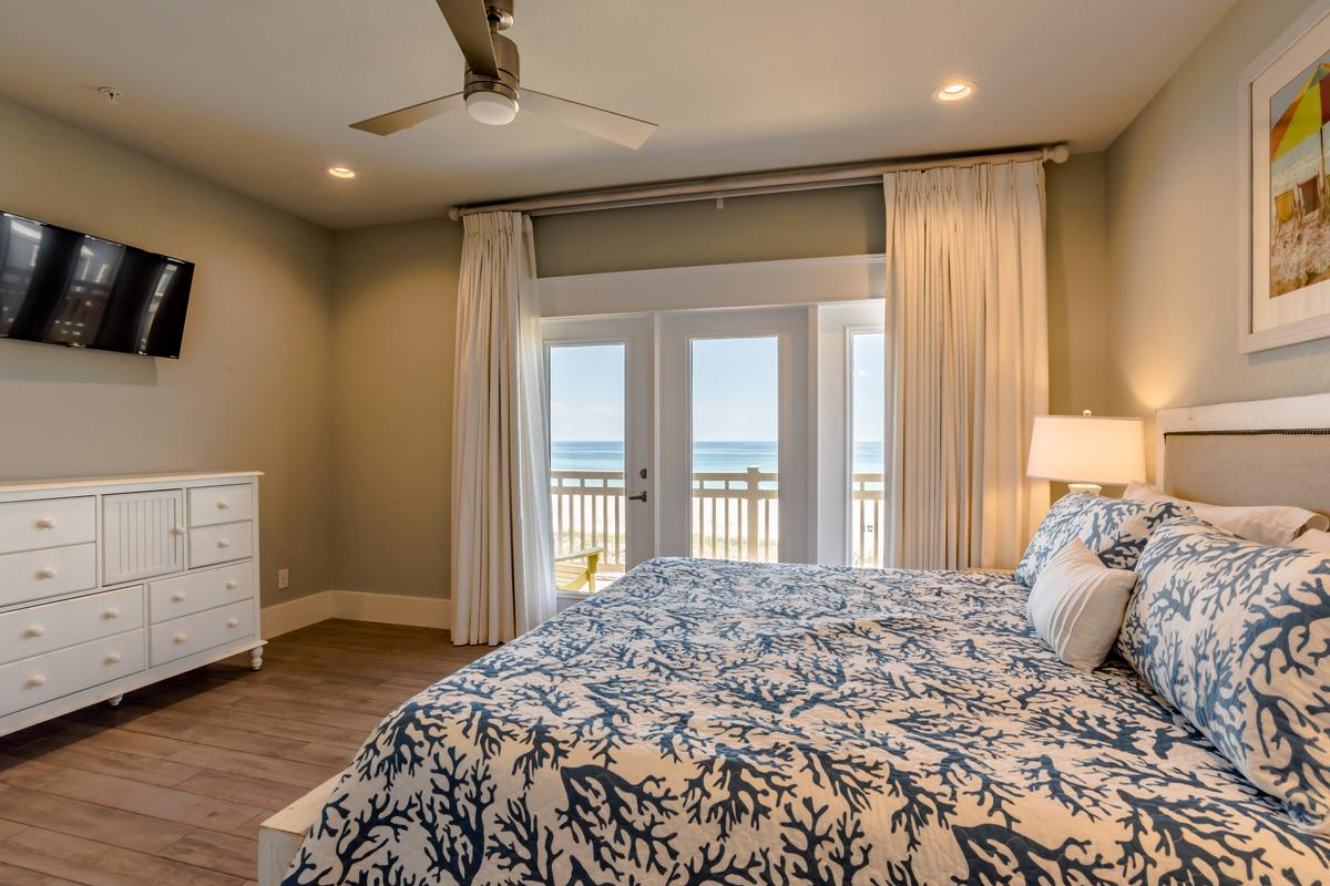 Mansions in Stunning Gulf Views from 2 Balconies
