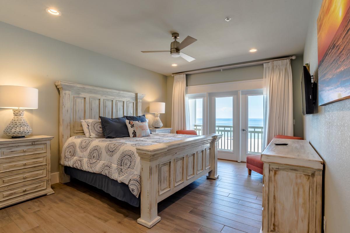 Stunning Gulf Views from 2 Balconies luxury properties