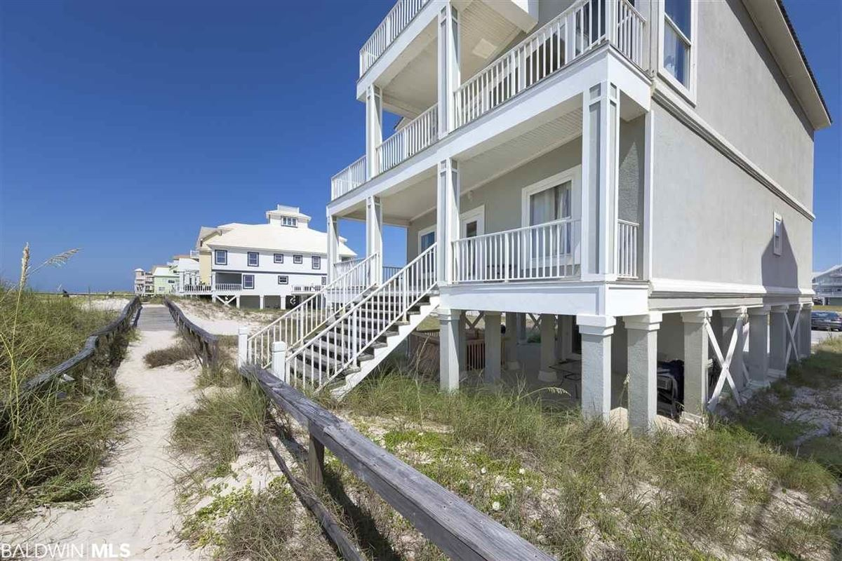 Fantastic Private Gulf Front Community luxury properties