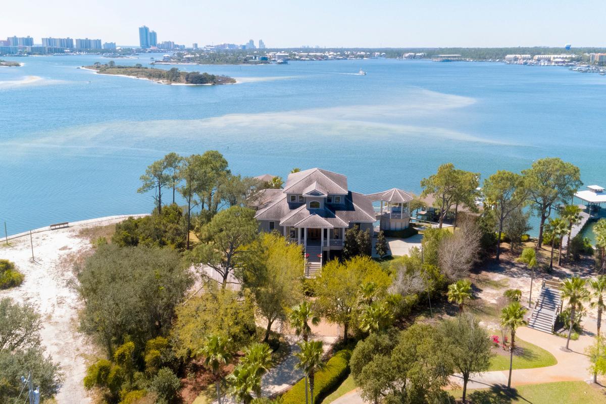 Mansions Peninsula Luxury Living