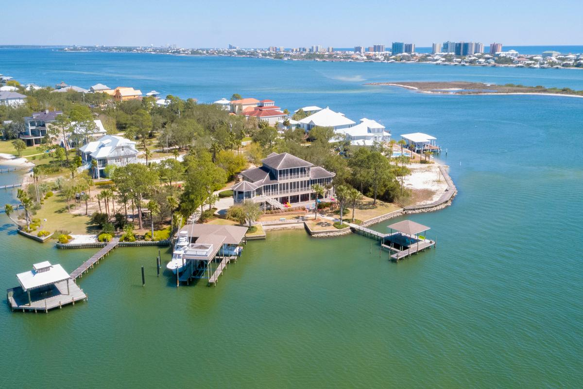 Peninsula Luxury Living luxury homes