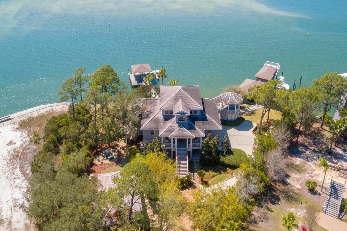 Peninsula Luxury Living mansions