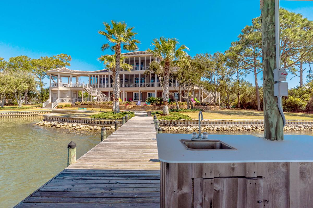Peninsula Luxury Living luxury properties