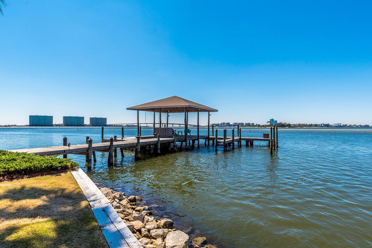 Peninsula Luxury Living luxury real estate