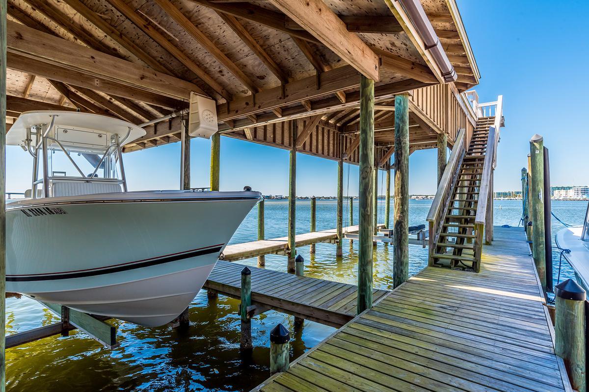 Luxury homes in Peninsula Luxury Living