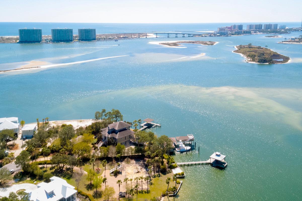 Luxury properties Peninsula Luxury Living