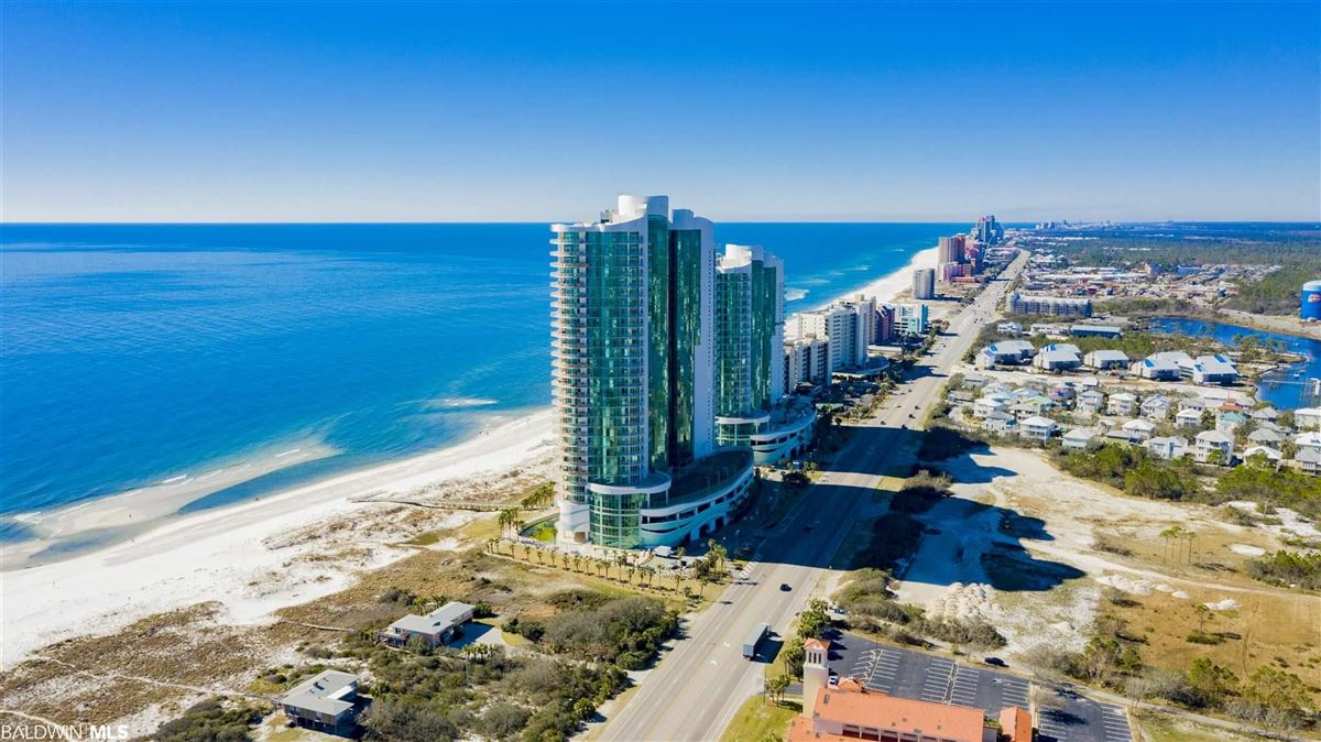 Luxury homes in piece of paradise on the gulf
