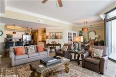 Luxury homes in Come enjoy the island life