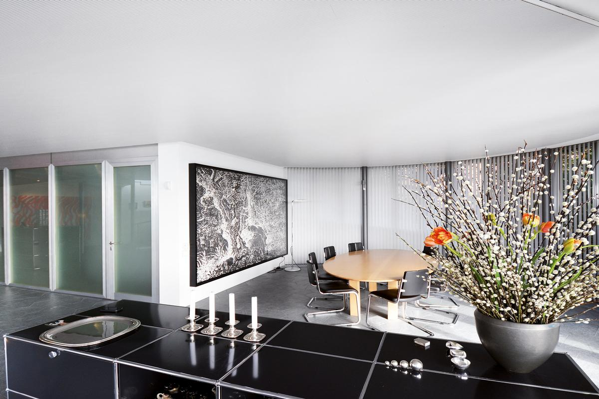 Architect-designed house between Zug and Zurich luxury homes