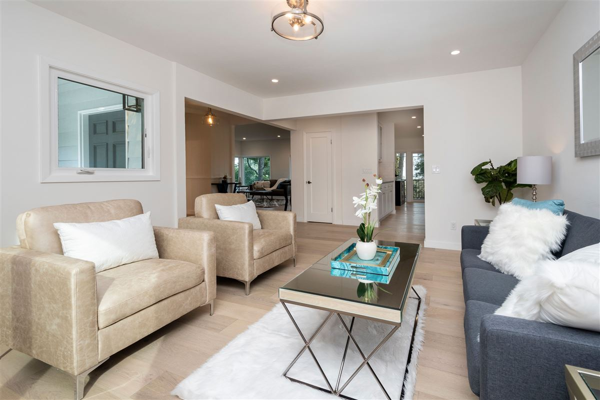 Gorgeously remodeled in prestigious location luxury homes