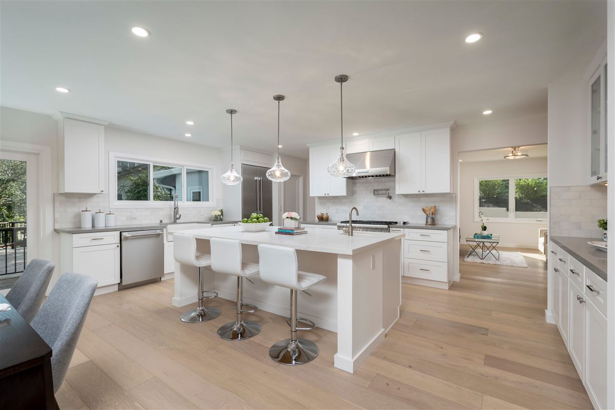 Mansions in Gorgeously remodeled in prestigious location