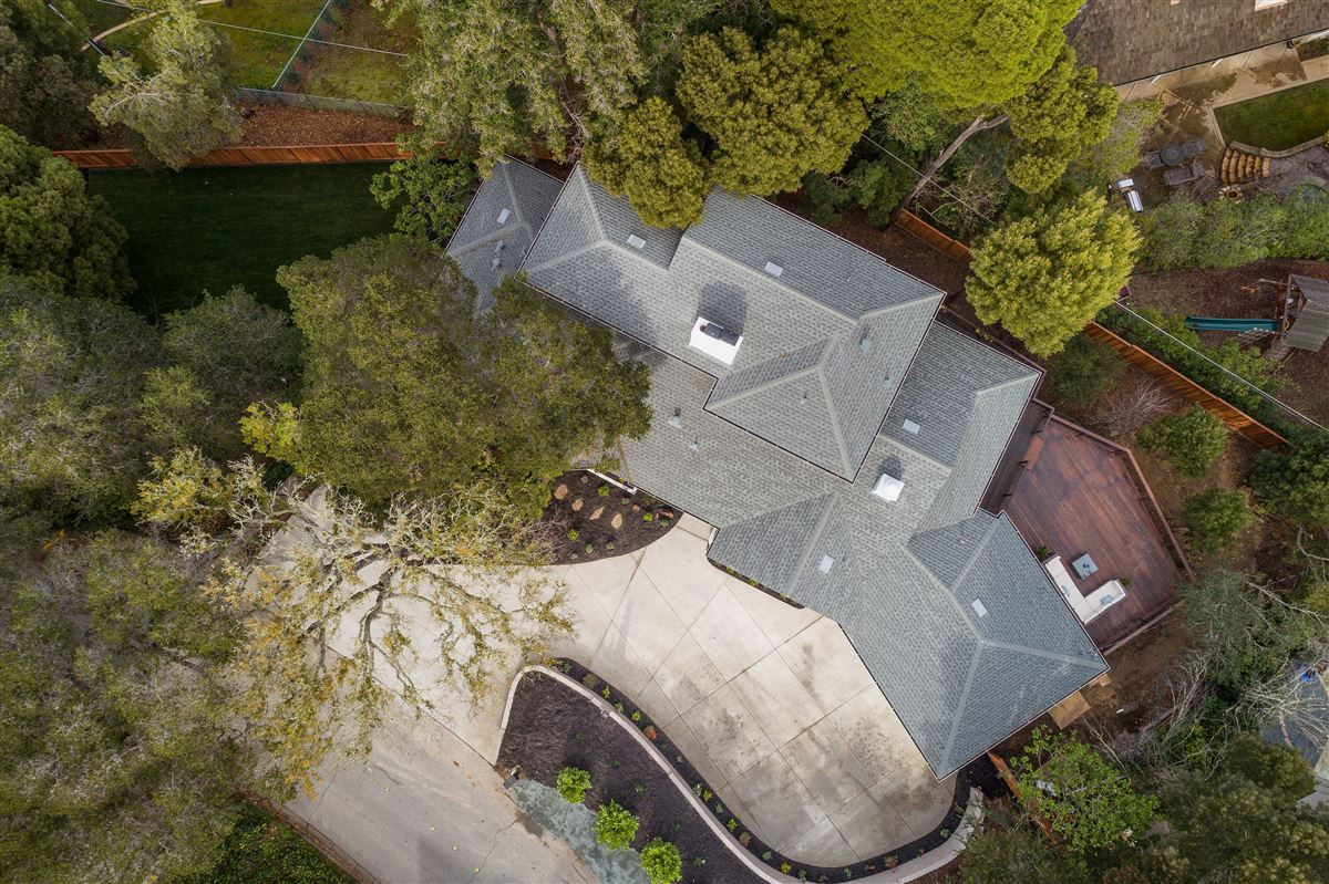 Luxury properties Gorgeously remodeled in prestigious location