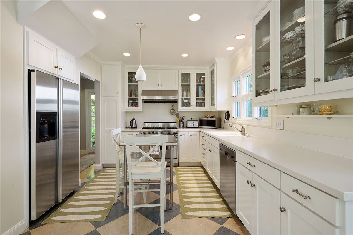 Beautiful four bedroom home for rent on coveted Alder Avenue luxury homes