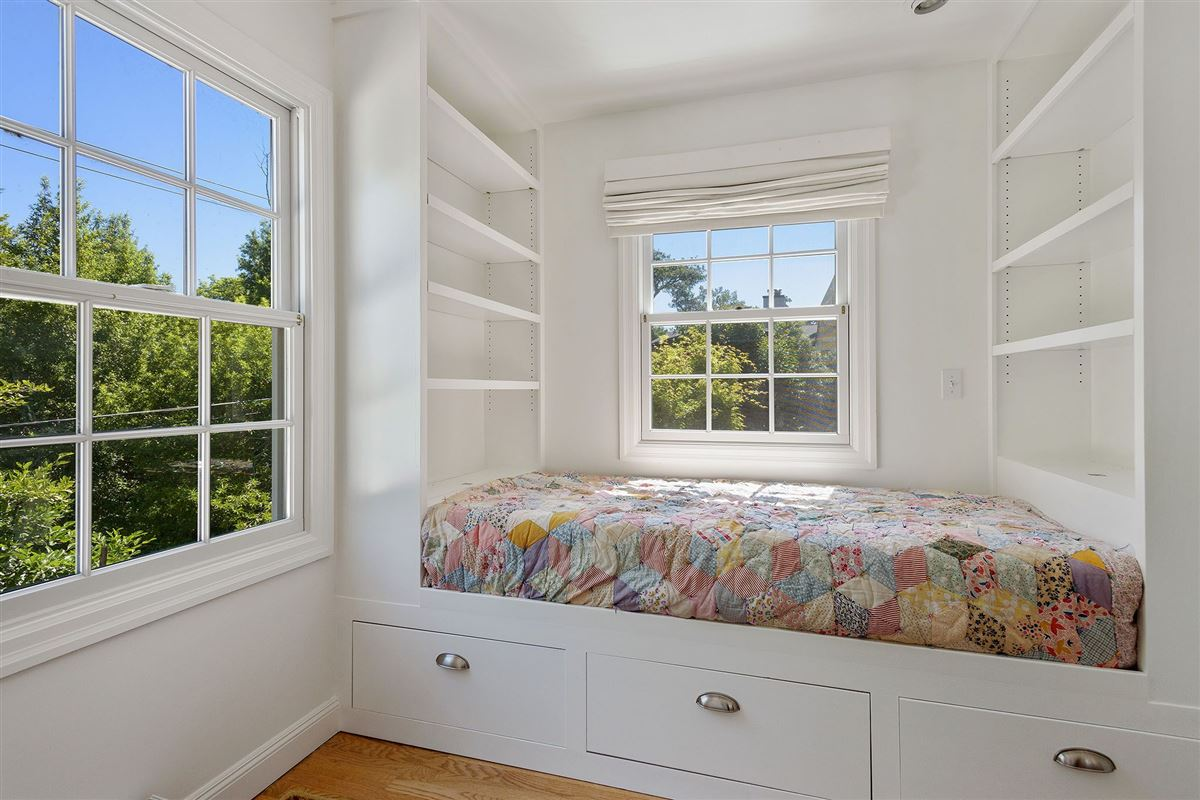 Beautiful four bedroom home for rent on coveted Alder Avenue luxury real estate