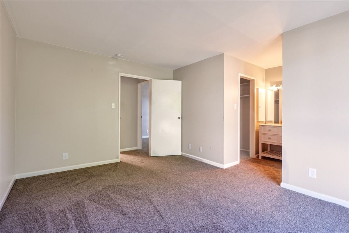 Mansions in This beautifully remodeled Townhome is strategically located