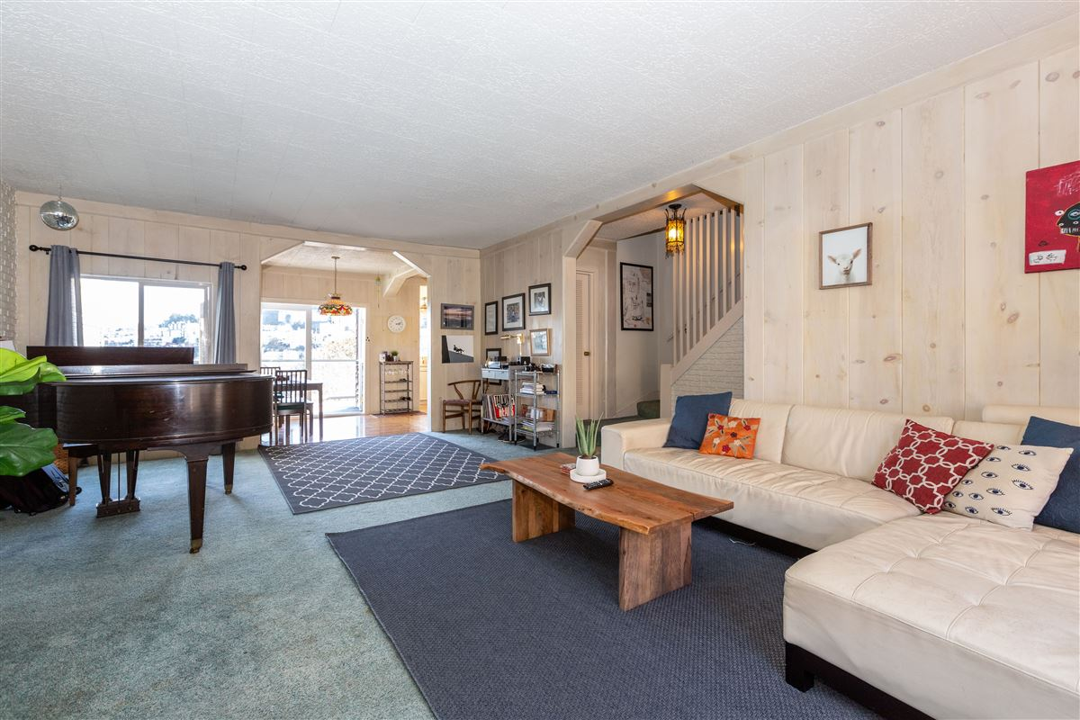 sweeping views from east bay to Sutro Tower luxury real estate