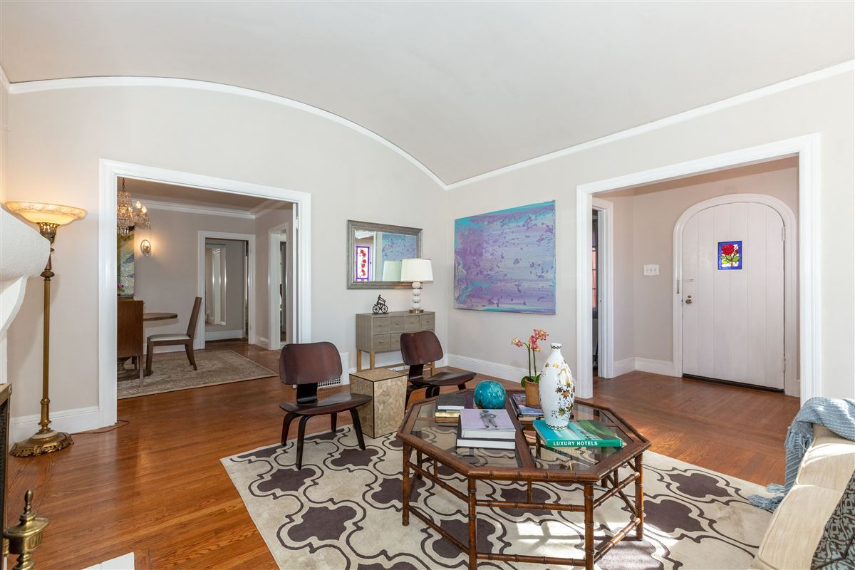 beautifully detailed home in miraloma park luxury homes