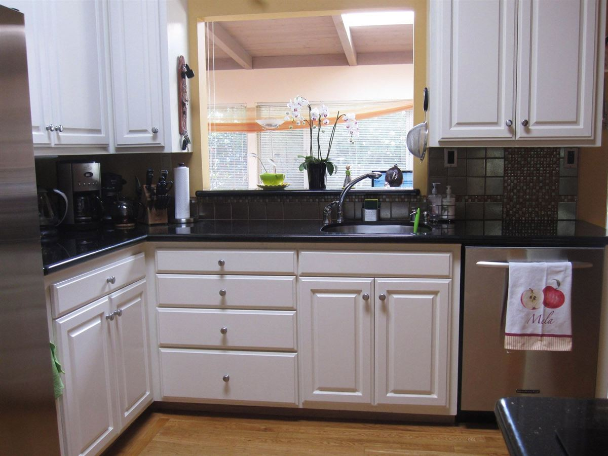 Updated light-filled home for rent in great location luxury homes