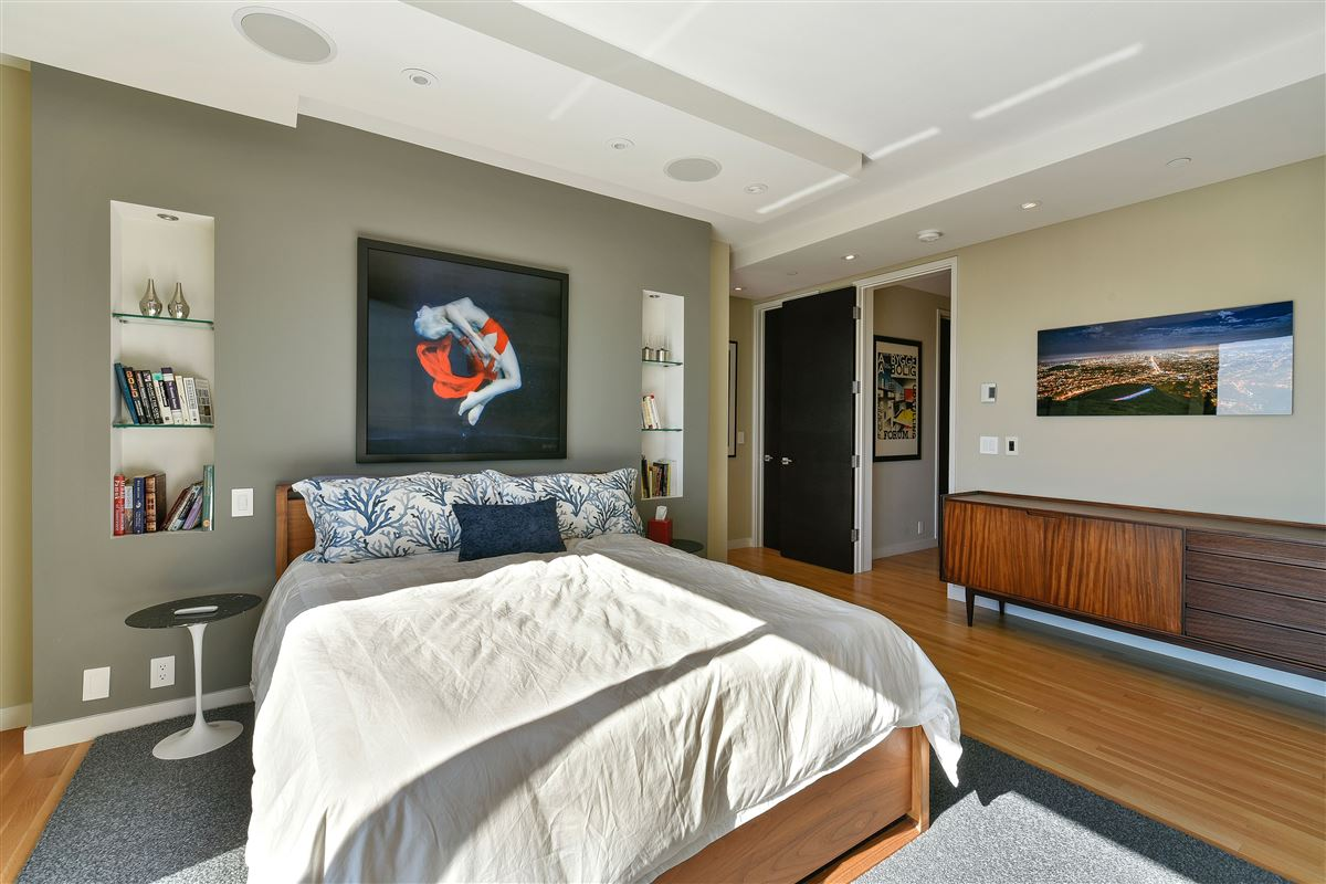 beautifully designed 3 bedroom mansions
