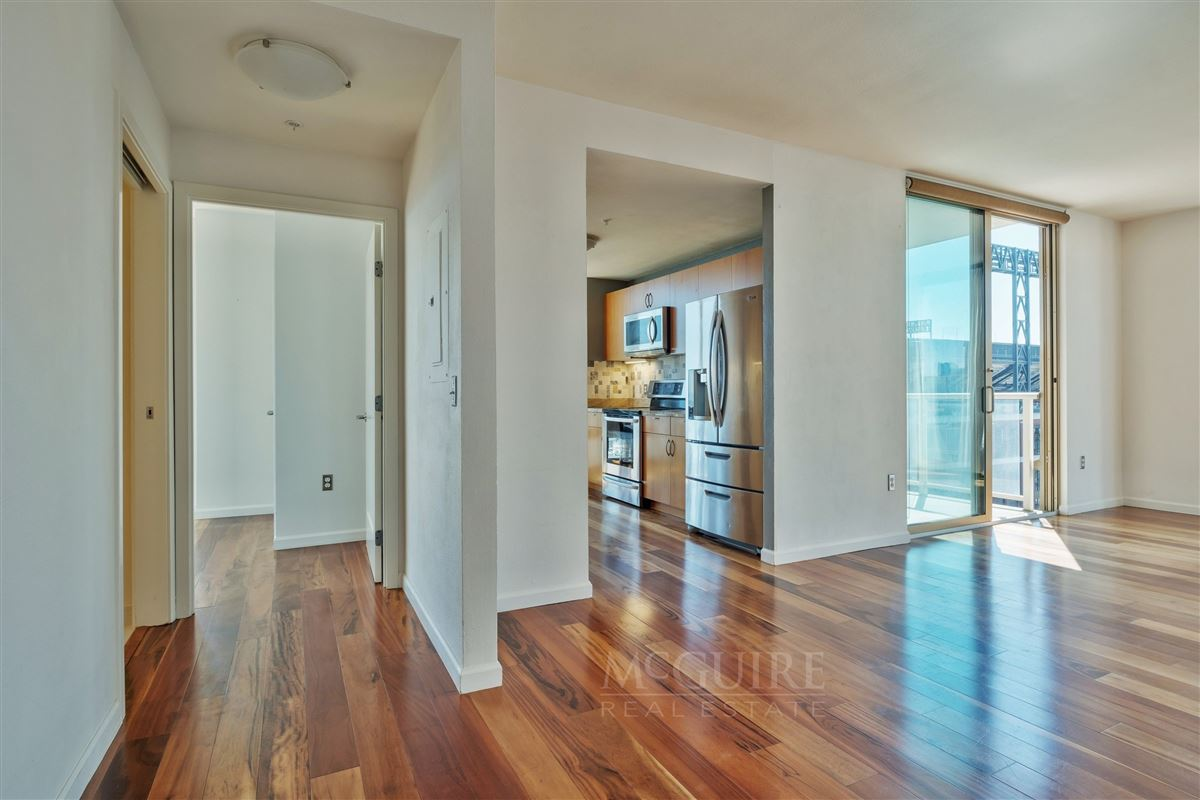 Mansions Stunning South Beach Luxury Top Floor Waterfront Condo