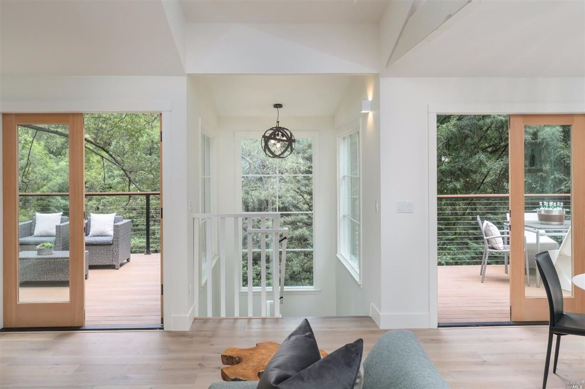 Luxury homes Newly remodeled home in the heart of downtown Mill Valley