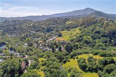 Mill Valley home on a private lot mansions