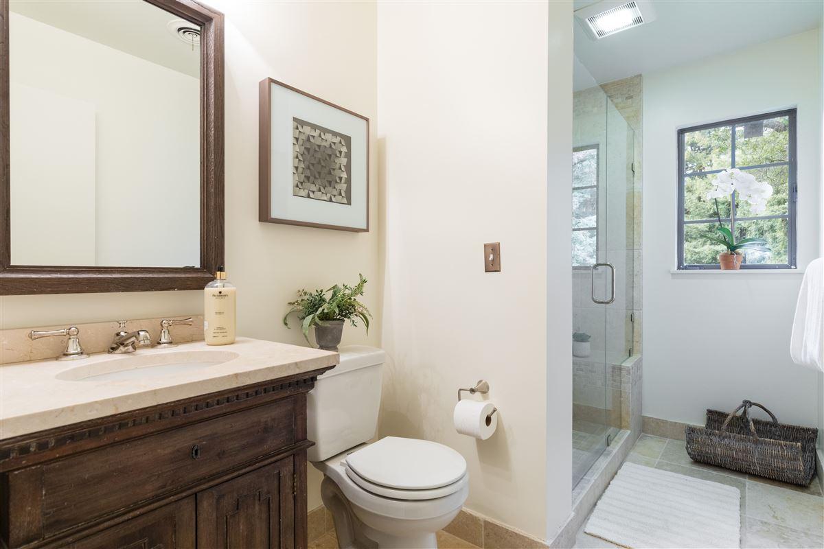 Luxury properties Gracious Costigan home