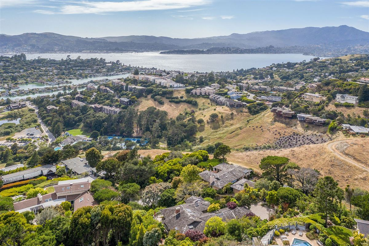 Luxury properties unrivaled views of the San Francisco Bay
