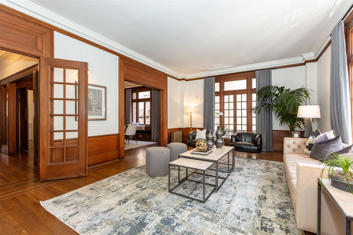Remarkable condo with great features luxury real estate
