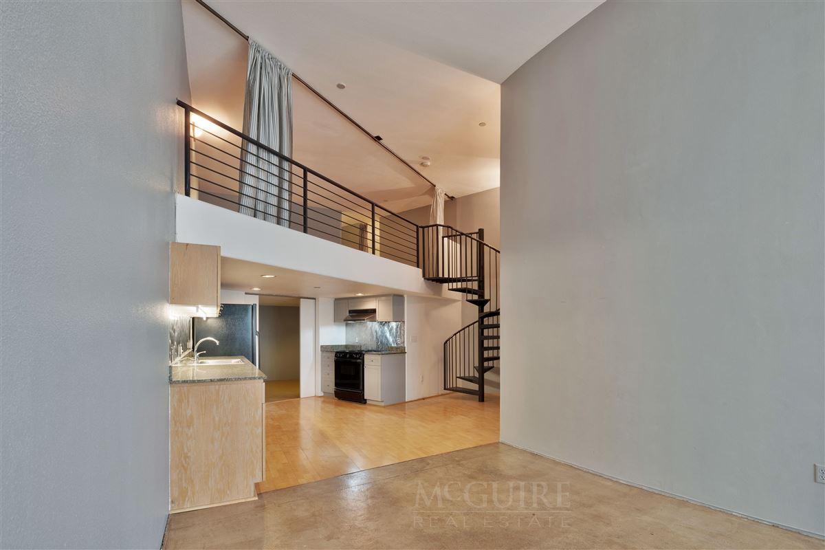 Mansions Spacious Conversion Loft with Flexible floorplan