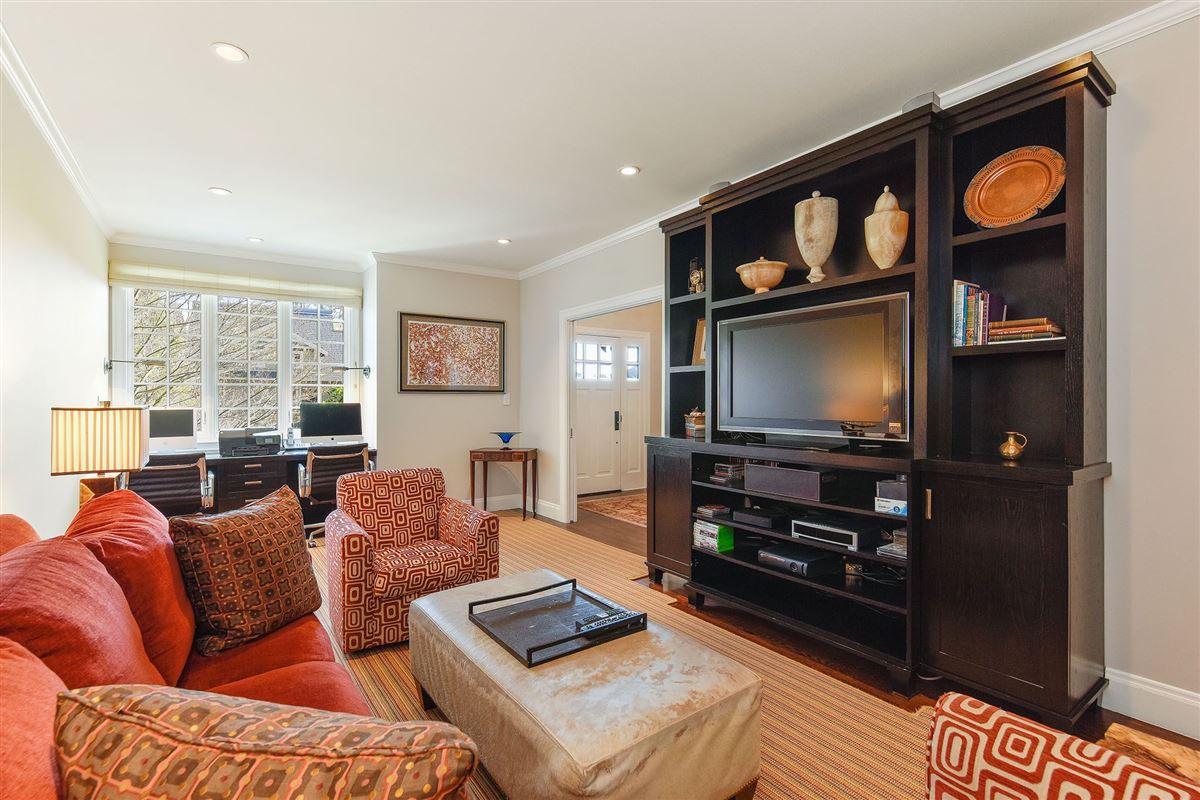 Mansions in Tasteful family estate