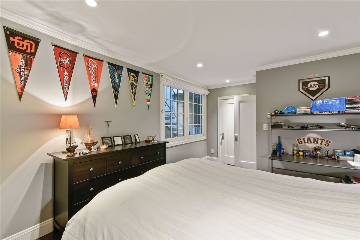 Luxury homes Tasteful family estate