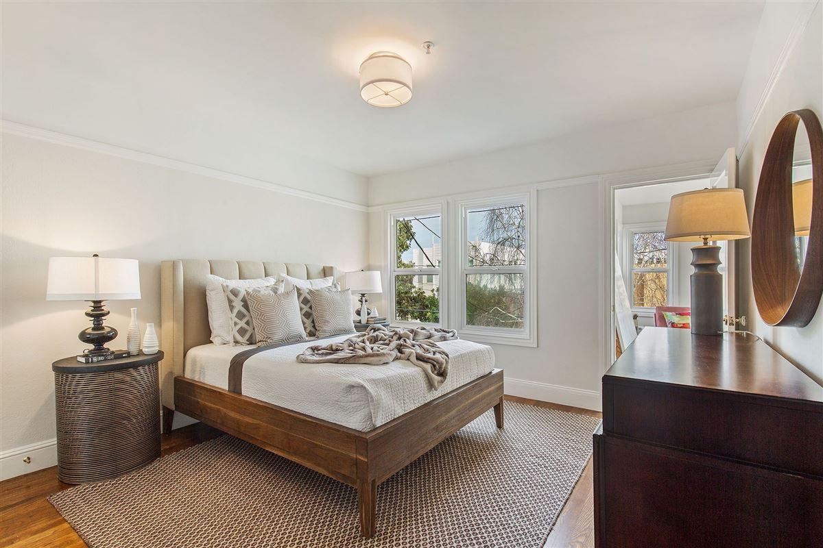 Luxury homes in beautiful condo on premier street