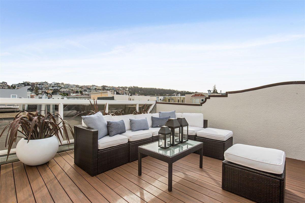 beautiful condo on premier street luxury real estate