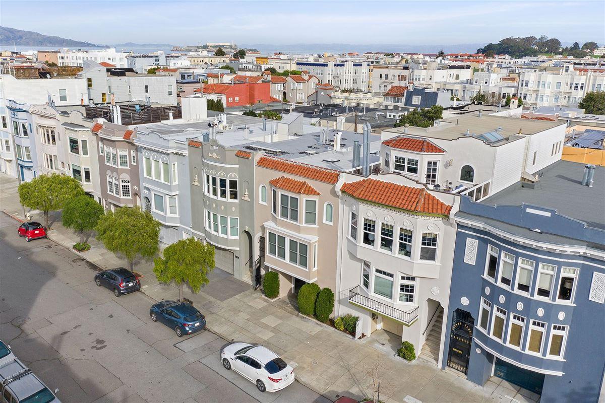 Luxury homes beautiful condo on premier street