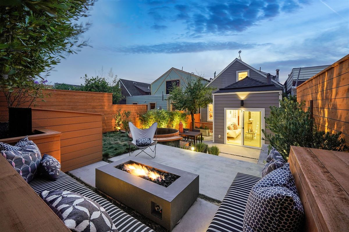 amazing semi-detached gated home luxury real estate