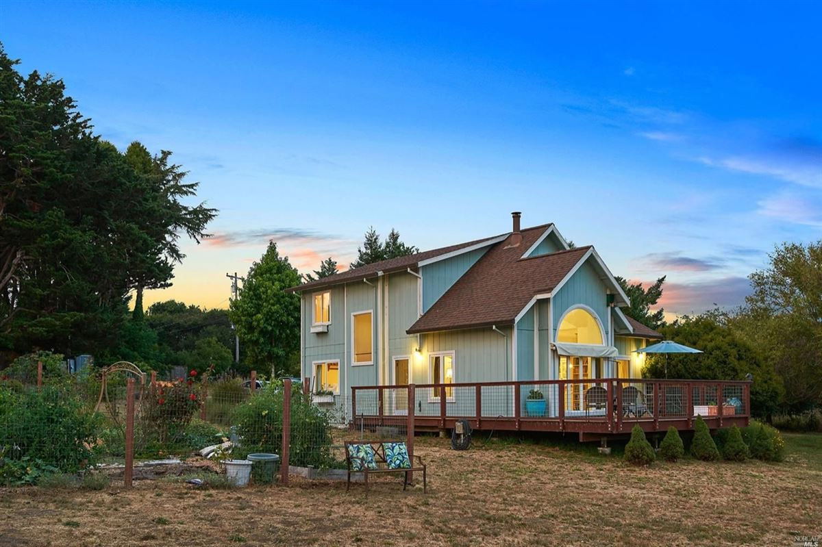 home On the desirable mesa in Point Reyes Station luxury homes