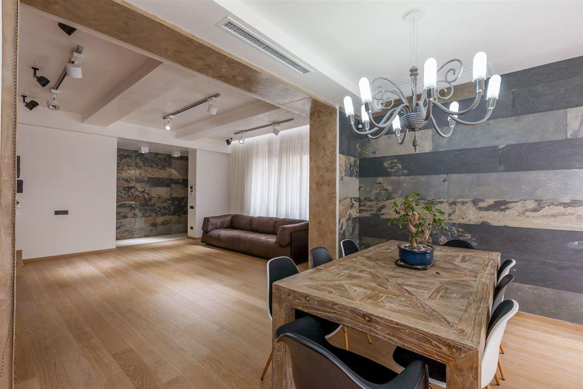 Luxury real estate TRIUMPH VILLA - DOROBANTI SQUARE