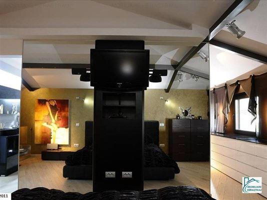 Chiara Venta luxury homes