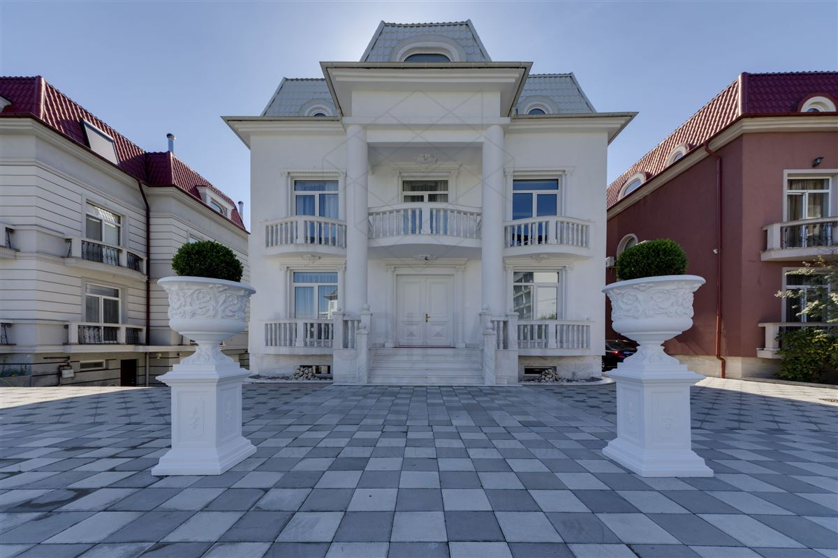 Luxury homes Maison de Bourbon - EXCLUSIVE VILLA HERASTRAU AREA