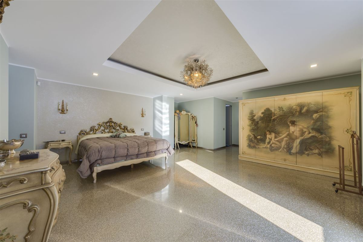 Luxury properties Hollywood in the heart of Bucharest
