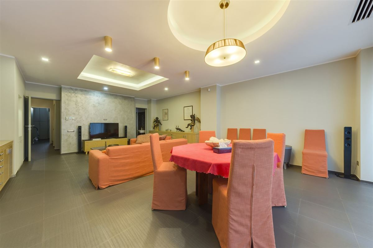 Hollywood in the heart of Bucharest luxury homes