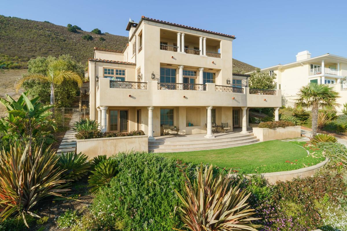 Stunning Oceanfront Estate luxury real estate