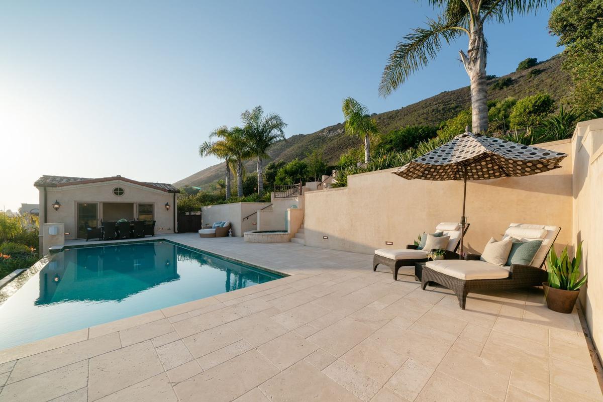 Mansions Stunning Oceanfront Estate