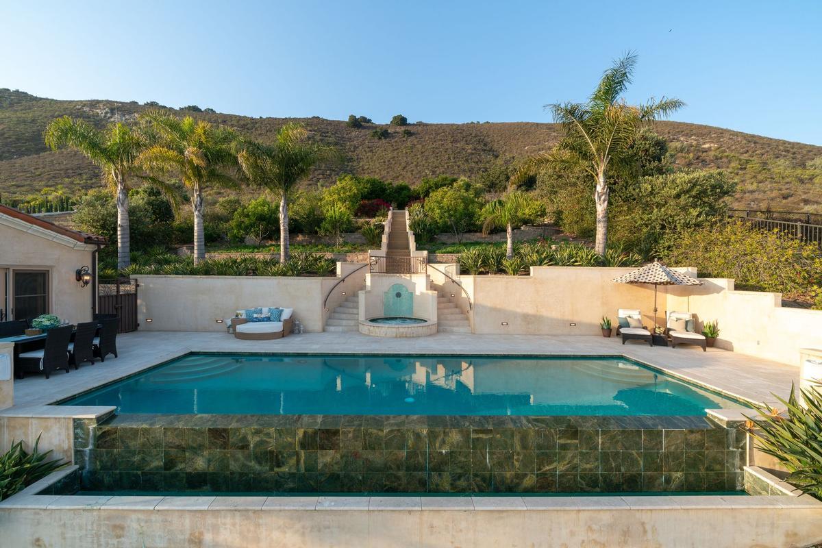 Stunning Oceanfront Estate mansions