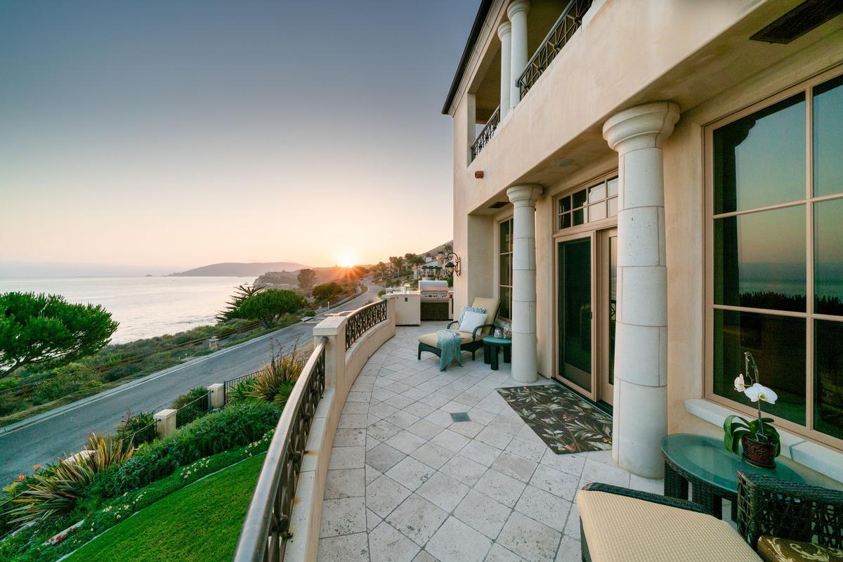 Luxury real estate Stunning Oceanfront Estate