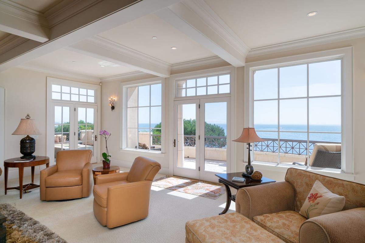 Stunning Oceanfront Estate luxury homes
